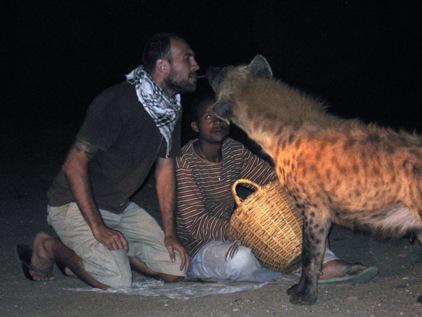 Depois de muito tempo de Africa os animais passam a te respeitar...hehe