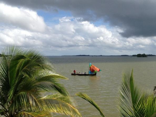 Embarcações utilizadas no local