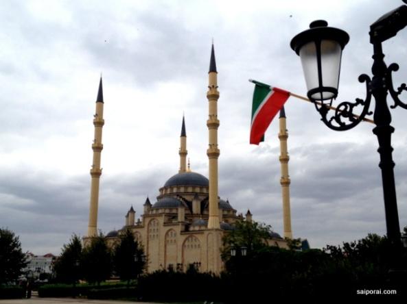 Mesquita cm a bandeira Chechena