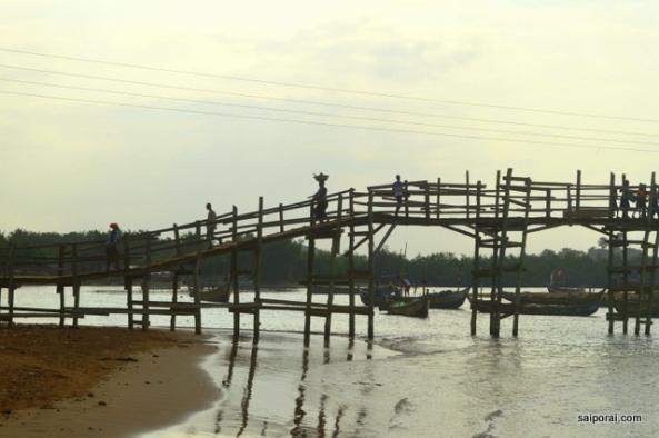 Ponte na parte velha da vila