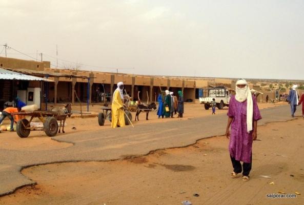 Tuaregues ficam mais comuns no interior