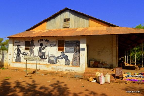 Pintura em um antigo armazém