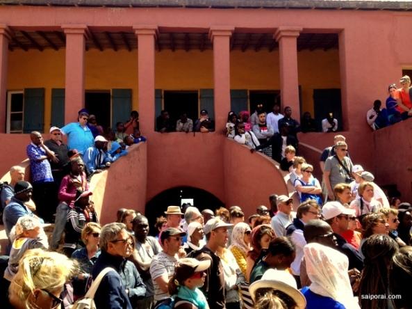 Maison des Esclaves lotada de turistas