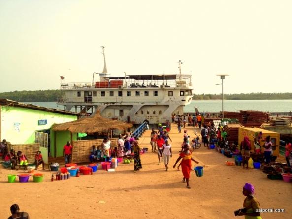 Dia de feira em Bubaque